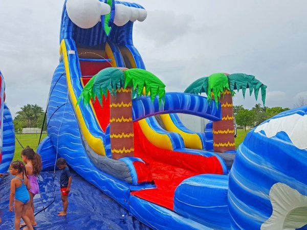 24ft-wild-waves-miami-school-rental