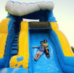 17ft wipeout miami waterslide