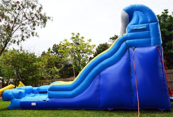 side view of wipeout slide