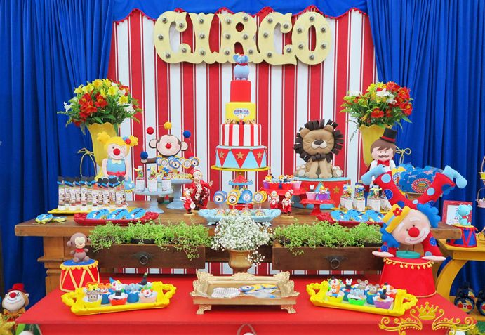 circus cake table decorations