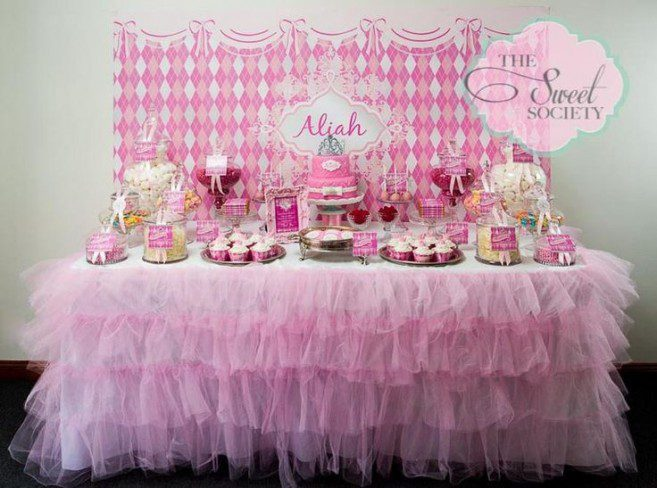 baby-shower-candy-buffet-ideas-with-cute-design