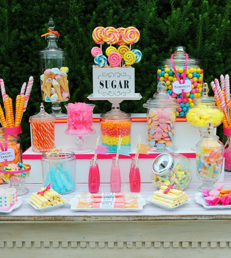 cake table and party decorations in miami